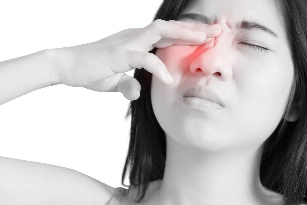 Макулярный разрыв сетчатки глаза: причины и лечение