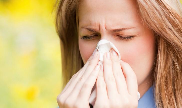 Как отличить аллергический насморк у ребенка